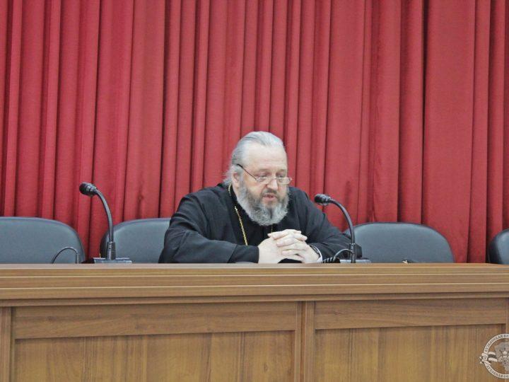 Глава митрополии посетил Кузбасскую семинарию с рабочим визитом