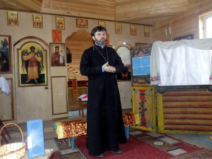 Православный приход в деревне Красноярке Ленинск-Кузнецкого района провёл пасхальный праздничный концерт