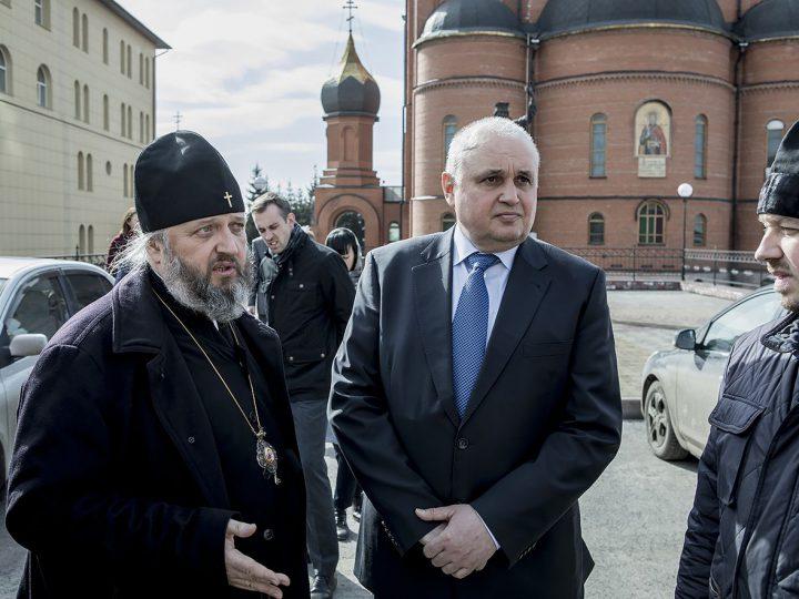 Знаменский собор посетил глава региона