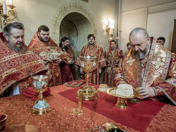 В Светлый вторник митрополит Аристарх совершил Литургию во втором кафедральном соборе епархии