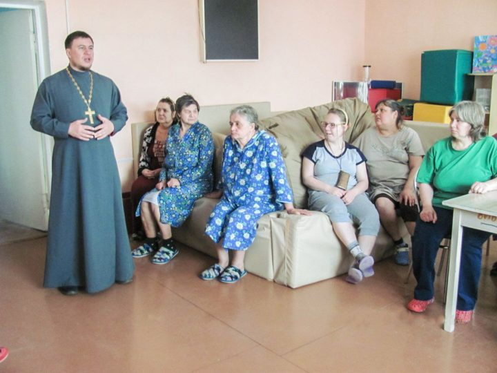 Православные волонтёры Новокузнецка посетили психоневрологический интернат