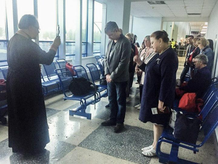 Родственники погибших в пожаре «Зимней вишни» отправились в поездку, совмещенную с паломничеством по святым местам полуострова Крым