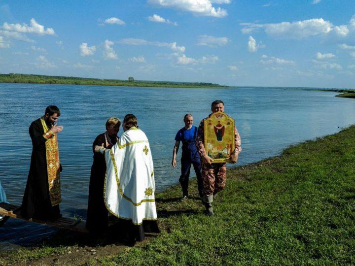 В Кузбасской митрополии завершился крестный ход-сплав