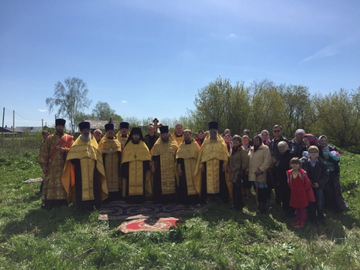 В Крапивинском районе освятили место под новый храм
