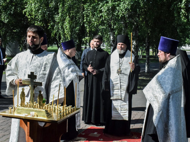 Епископ Новокузнецкий и Таштагольский Владимир совершил литию по погибшим металлургам