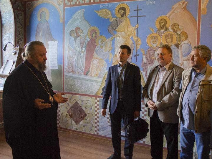 Члены Общественной палаты Кемеровской области посетили епархиальное управление и кафедральный собор