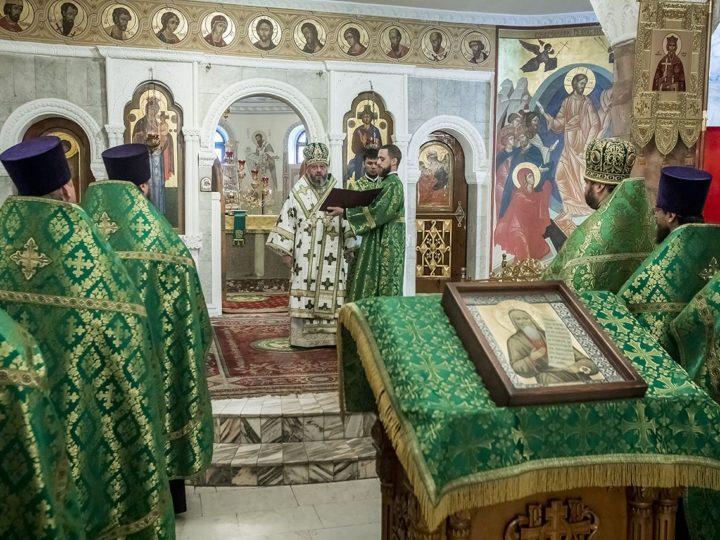 В дар Кузбасской митрополии передана частица мощей праведного Павла Таганрогского