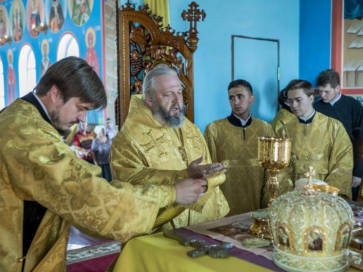 В первое воскресенье июля митрополит Аристарх молился о шахтерах в Прокопьевске