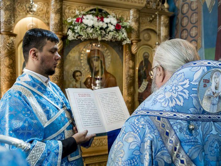 В Свято-Серафимо-Покровском женском монастыре почтили образ Пресвятой Богородицы «Троеручица»