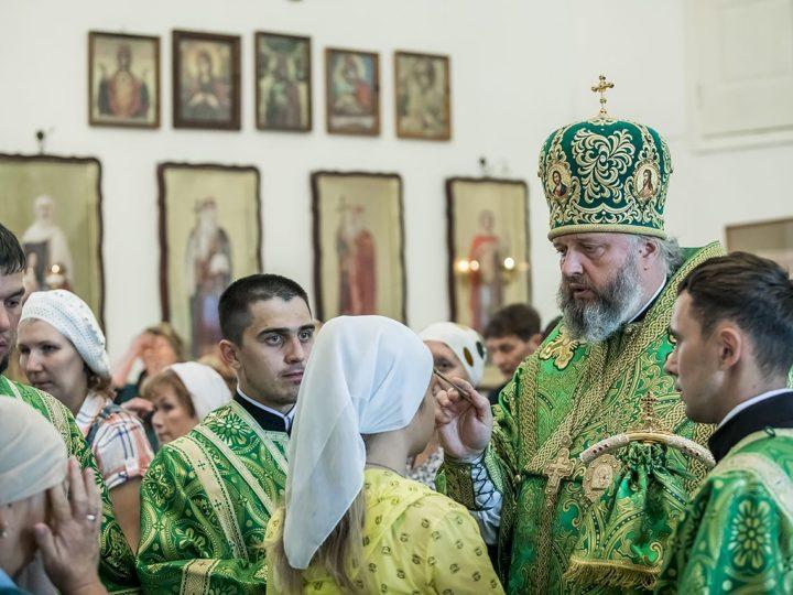 Митрополит Аристарх посетил храм преподобного Сергия в Киселевске в канун престольного дня