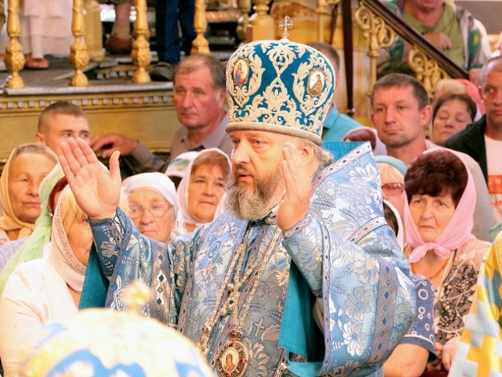 10 августа 2018 г. Божественная Литургия в Успенском соборе Смоленска в день чествования иконы Божией Матери «Одигитрия»