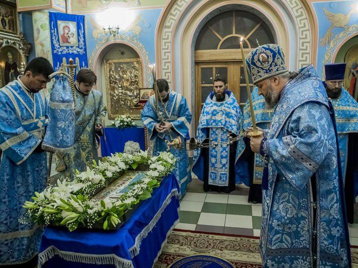 Митрополит Аристарх совершил богослужение в Свято-Успенском женском монастыре Елыкаева в канун престольного дня