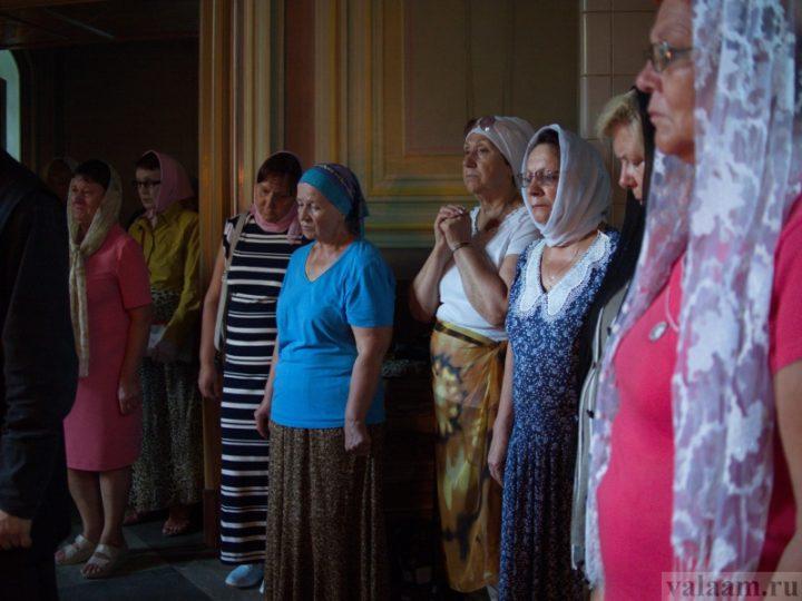 Родственники погибших в «Зимней вишне» помолились о своих близких на Валааме