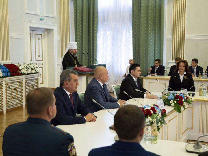 Участие митрополита Аристарха в инаугурации губернатора Кемеровской области