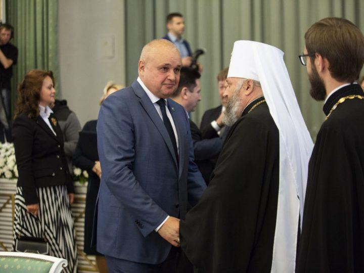 Глава Кузбасской митрополии принял участие в инаугурации губернатора области