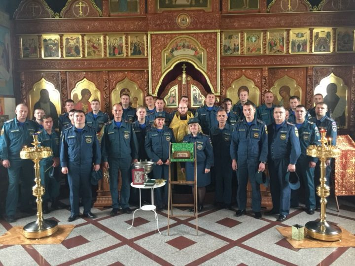 В день чествования иконы Божией Матери «Неопалимая Купина» спасатели и священнослужители Кемеровской епархии молились вместе