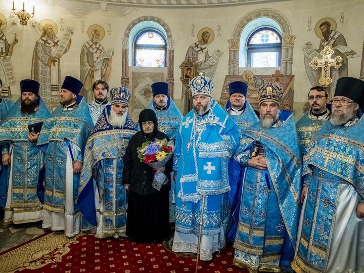 В праздник Рождества Пресвятой Богородицы митрополит совершил богослужения в кафедральном соборе