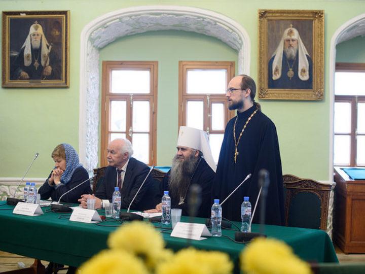 В МДА проходит международный симпозиум «Природные условия строительства и сохранения храмов Православной Руси»