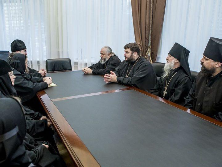 В обителях Кемеровской епархии побывала комиссия Синодального отдела по монастырям и монашеству