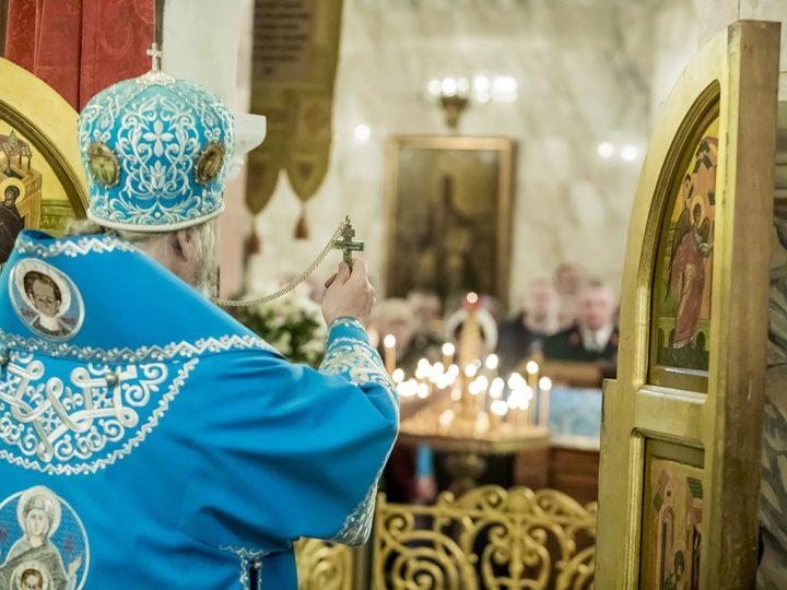 В праздник Казанской иконы глава митрополии совершил священническую хиротонию