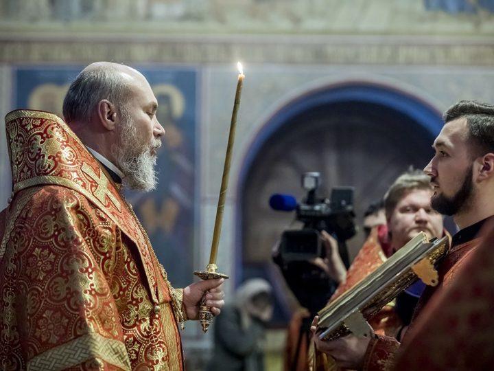 В день памяти великомученицы Варвары в Знаменском соборе чествовали тружеников горнодобывающей отрасли