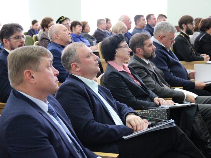Митрополит Аристарх принял участие в заседании Общественной палаты Кемеровской области по итогам 2018 года и планам на 2019 год