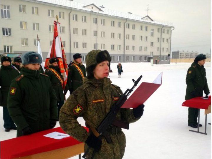 Священник Юрги напутствовал молодых бойцов перед присягой