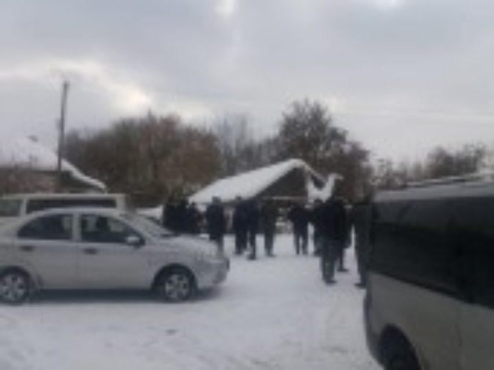 При содействии местных властей радикалы захватили храмы Украинской Православной Церкви в селах Оленовка на Черниговщине и Шандровец на Львовщине