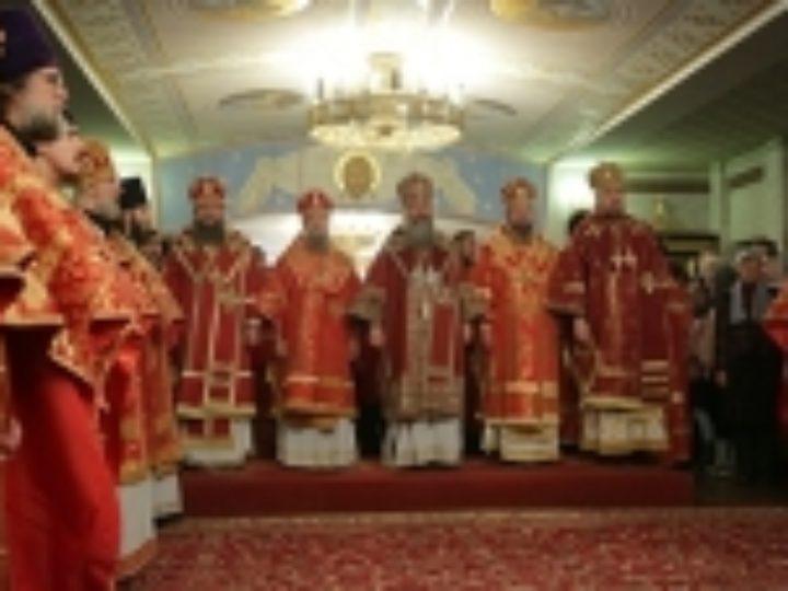 В праздник Собора новомучеников и исповедников Церкви Русской торжественное богослужение состоялось в Храме на Крови в Екатеринбурге