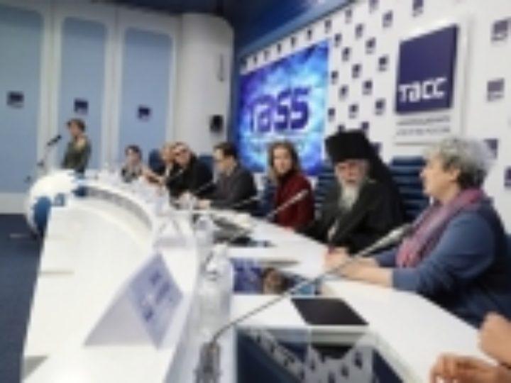Представители благотворительных организаций и Церкви выступили в поддержку законопроекта о распределенной опеке