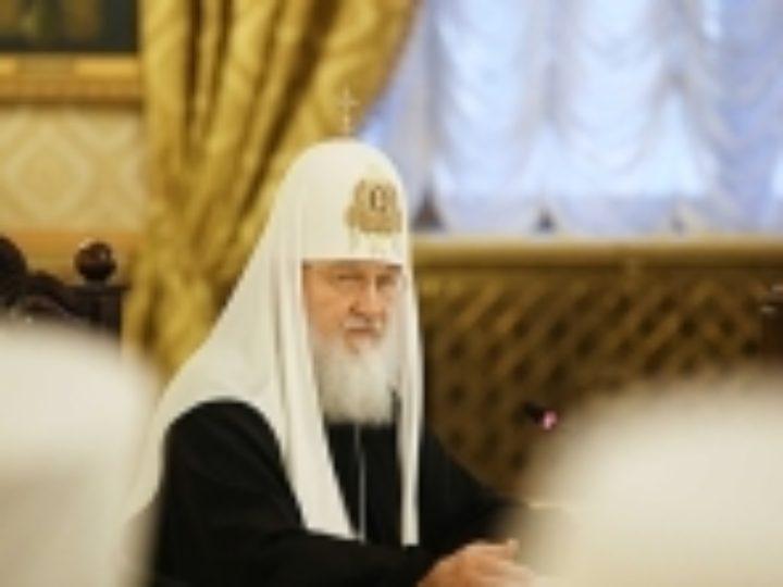 Святейший Патриарх Кирилл: Семьи священников должны быть в центре внимания правящих архиереев