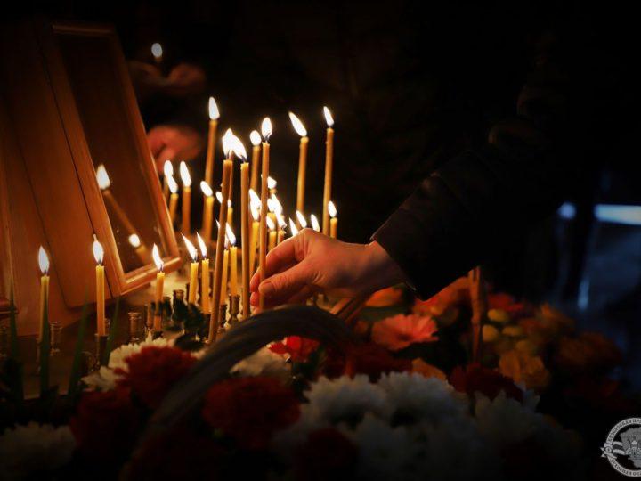 Панихида по погибшим горнякам шахты «Ульяновской»