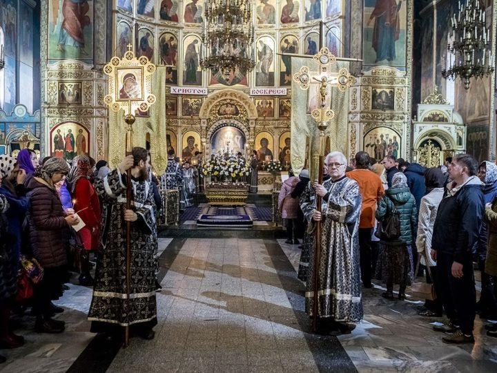 26 апреля 2019 г. Утреня Великой Субботы с чином погребения Плащаницы Спасителя