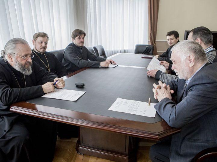 Митрополит Аристарх встретился с краеведами и литераторами Кузбасса
