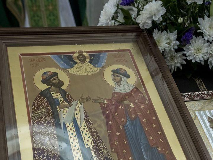 В храм Казанской иконы Божией Матери Кемерова передана икона покровителей семьи