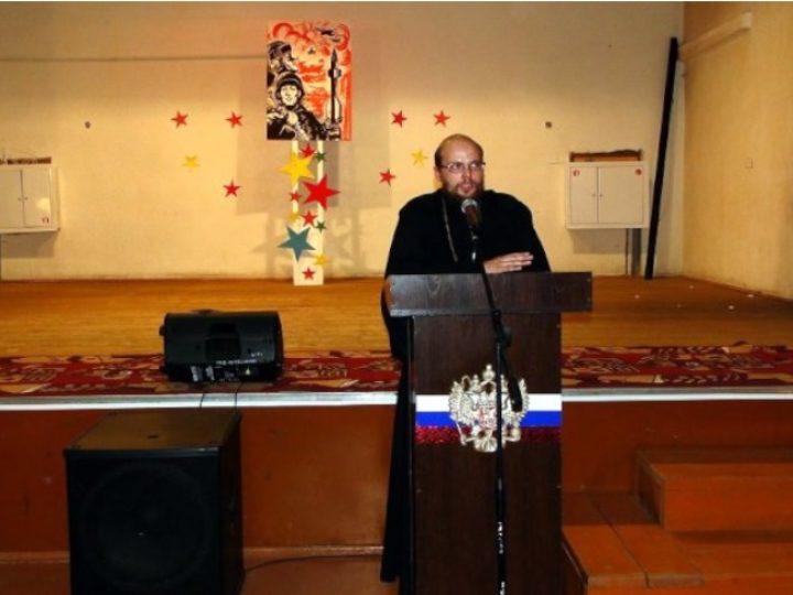 Священник Анжеро-Судженска побывал на городском Дне призывника