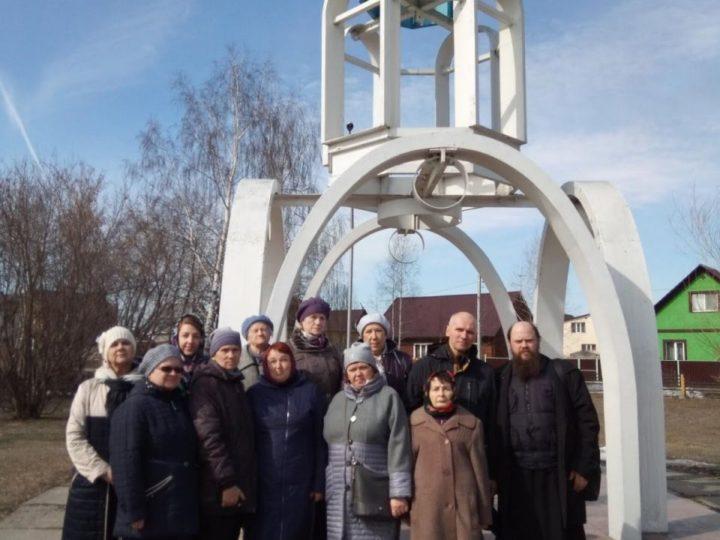 Паломников познакомили с историей левобережных храмов и часовен Кемерова