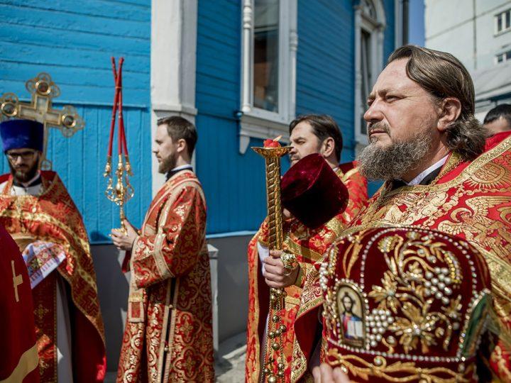 2 мая 2019 г. Божественная литургия в Вознесенском храме Белова в Светлый четверг