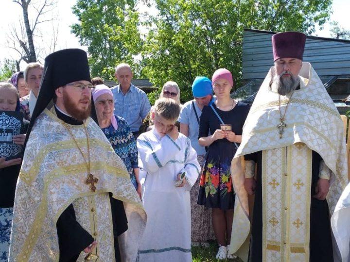 100-летие со дня сожжения храма в честь святых апостолов Петра и Павла отметили в Драчёнине