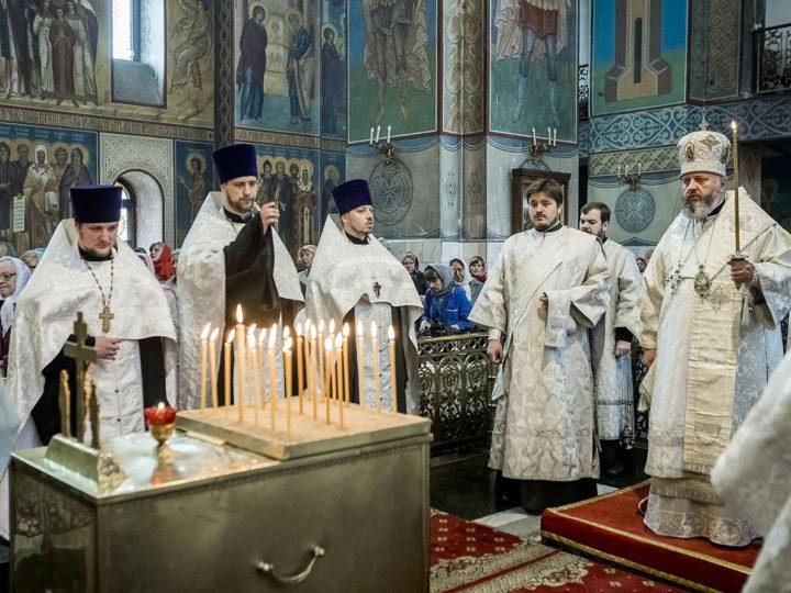 15 июня 2019 г. Панихида в Знаменском кафедральном соборе в Троицкую родительскую субботу