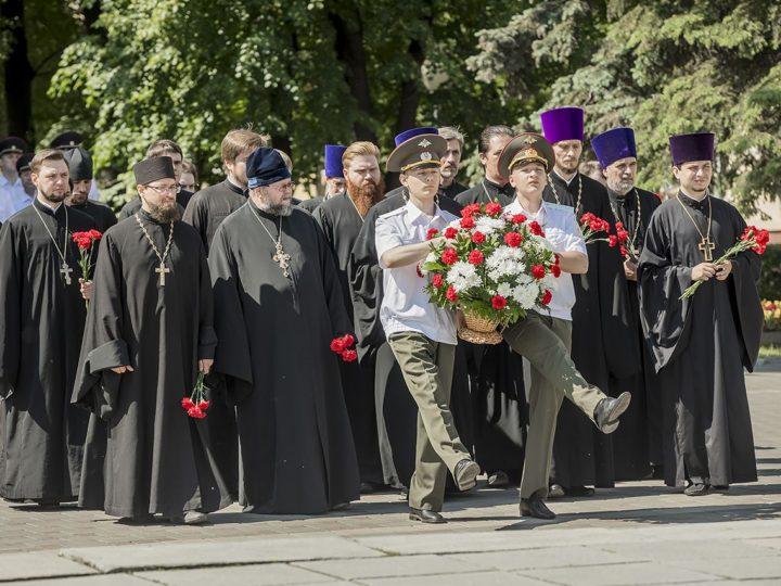 Священнослужители епархии приняли участие в Дне памяти и скорби