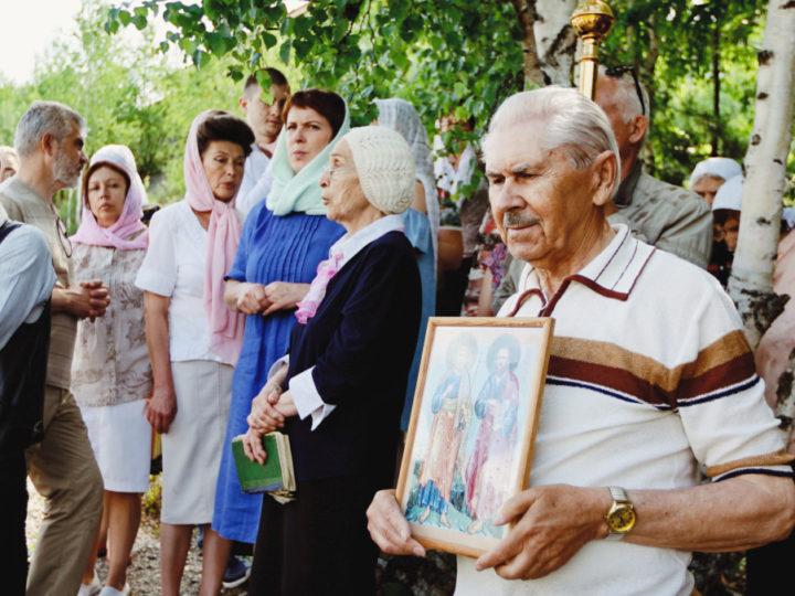 В Таштаголе отметили праздник первоверховных апостолов Петра и Павла