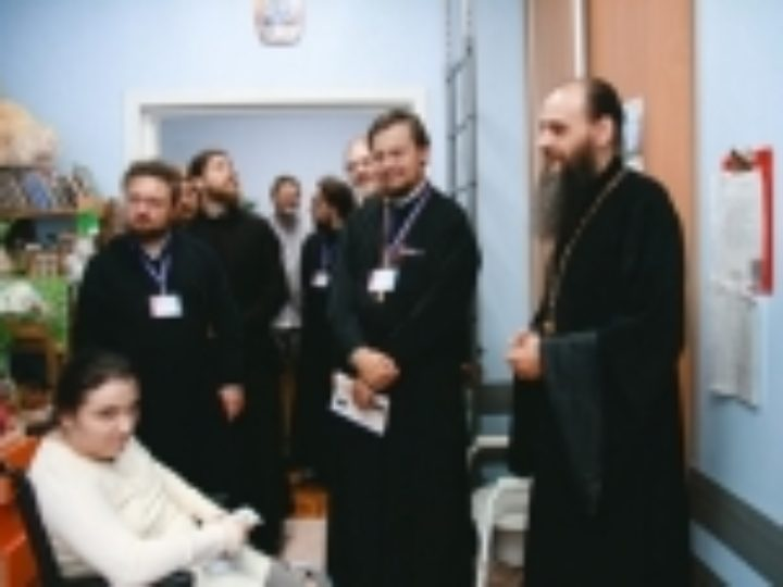 25 священников и социальных работников прошли стажировку по социальной работе в Екатеринбурге