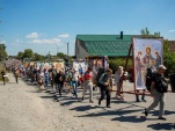 Два масштабных крестных хода из Каменец-Подольского и Браилова направляются в Почаевскую лавру