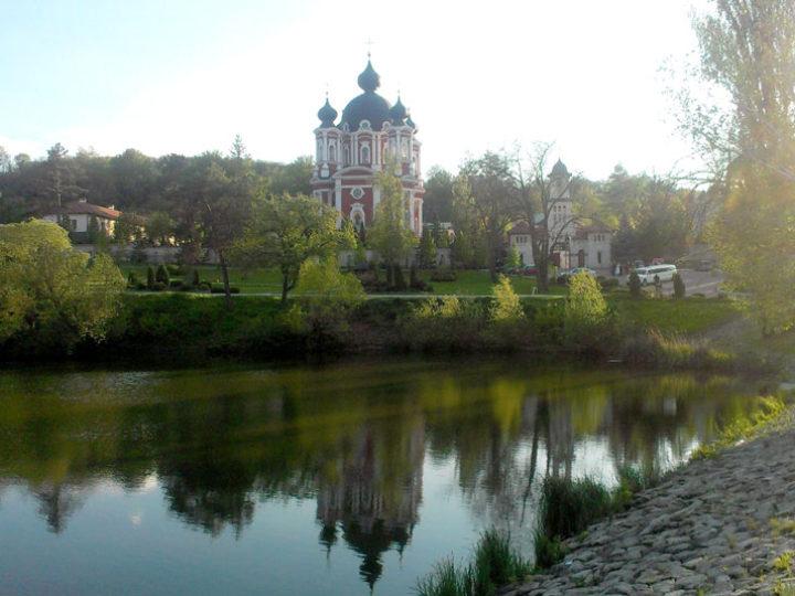 14 сентября 2019: Глава Кузбасской митрополии посетил Богородице-Рождественский монастырь села Курки