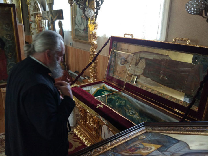 Кузбасский архипастырь посетил Успенский женский монастырь села Кушелэука, где хранятся мощи святой блаженной Агафии Кушеловской
