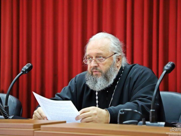 Глава Кузбасской митрополии провёл рабочий день в Кузбасской семинарии