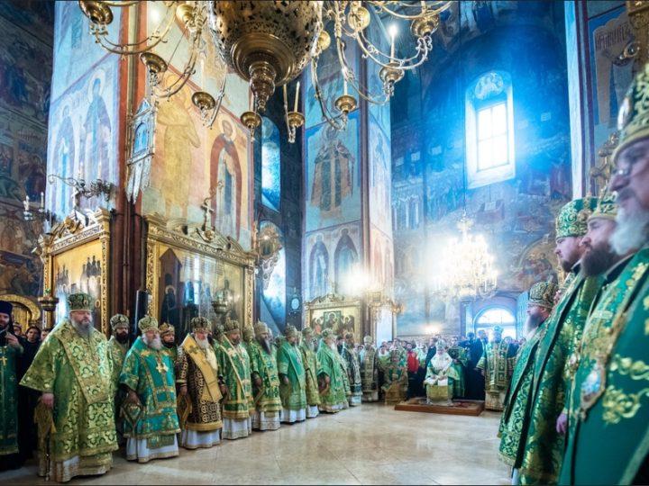 8 октября 2019: Глава Кузбасской митрополии принял участие в торжествах по случаю дня преставления преподобного Сергия Радонежского в Свято-Троицкой Сергиевой лавре