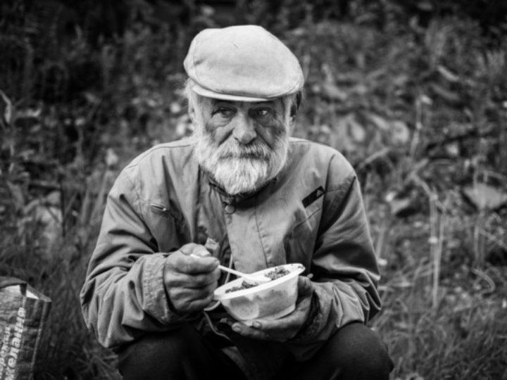 Служба «Милосердие. Кемерово» просит помочь организовать горячие обеды для бездомных