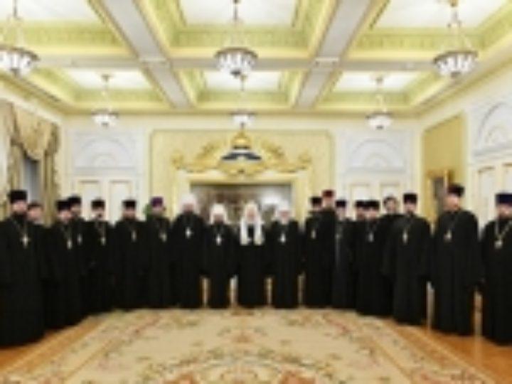 Святейший Патриарх Кирилл встретился с митрополитом Кировоградским и Новомиргородским Иоасафом и группой украинских паломников